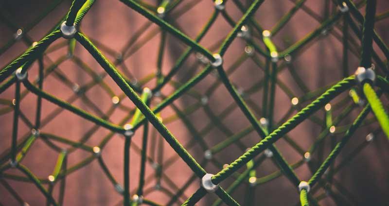 Image symbolisant le maillage des liens sur le web.